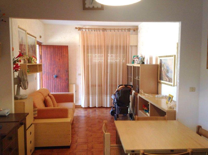Bilocale Pomezia Via Dora Riparia 86 2