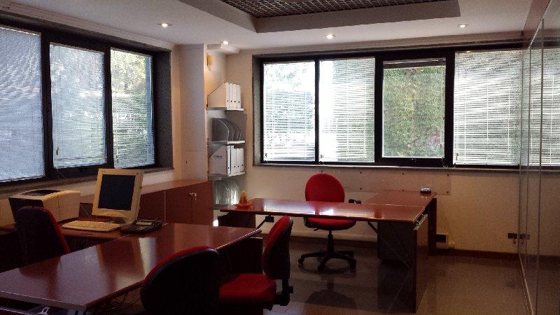 Ufficio / Studio in affitto a Albano Laziale, 1 locali, zona Zona: Pavona, prezzo € 500 | Cambio Casa.it