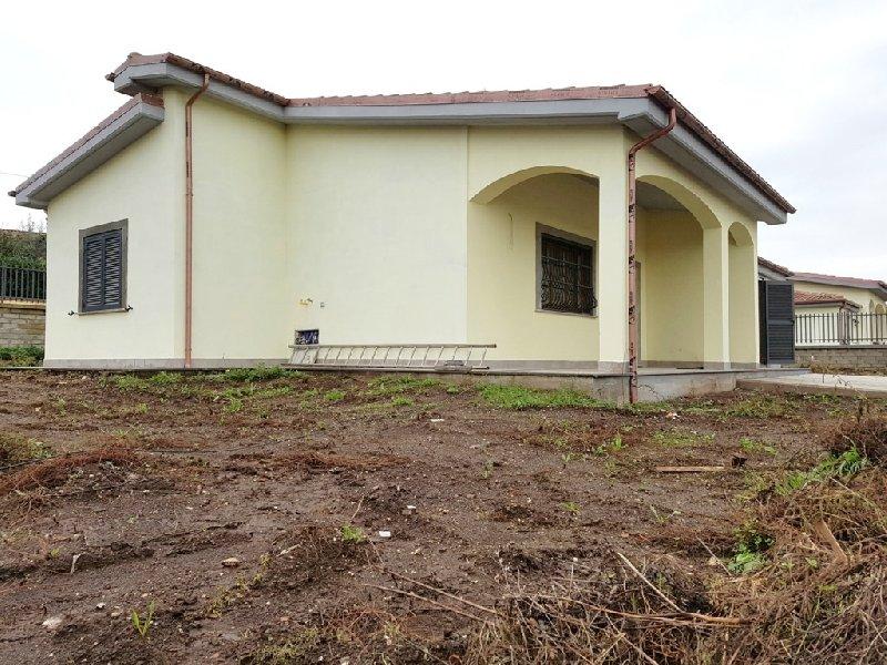 Villa in Vendita a Lariano