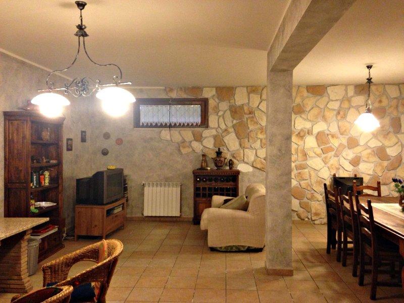 Villa in vendita a Rocca di Papa, 5 locali, prezzo € 390.000 | CambioCasa.it