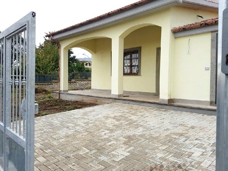 Villa in vendita a Velletri, 4 locali, prezzo € 245.000 | CambioCasa.it