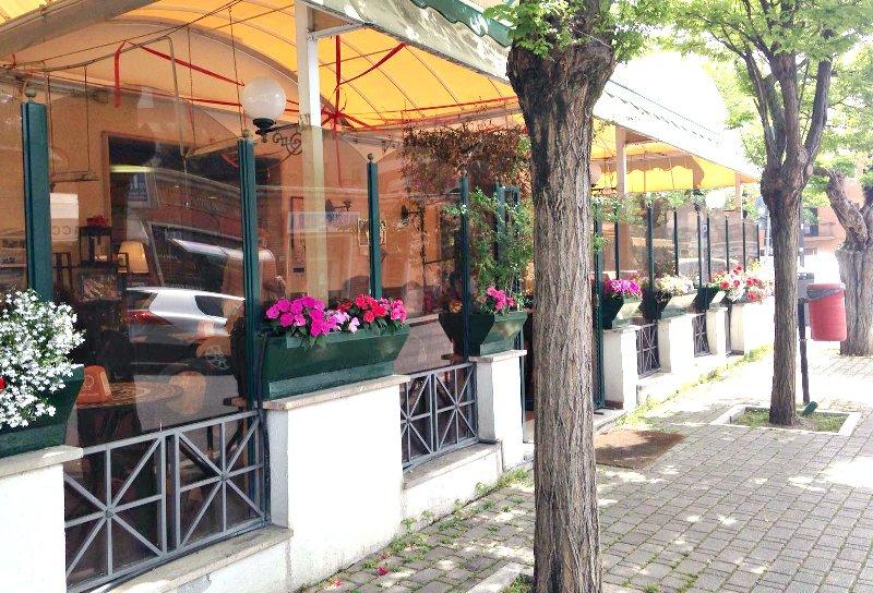 Ristorante / Pizzeria / Trattoria in vendita a Grottaferrata, 3 locali, prezzo € 840.000 | Cambio Casa.it