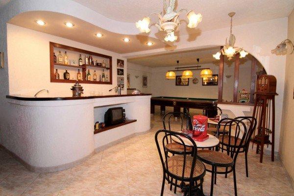 Villa in vendita a Grottaferrata, 5 locali, prezzo € 850.000 | CambioCasa.it