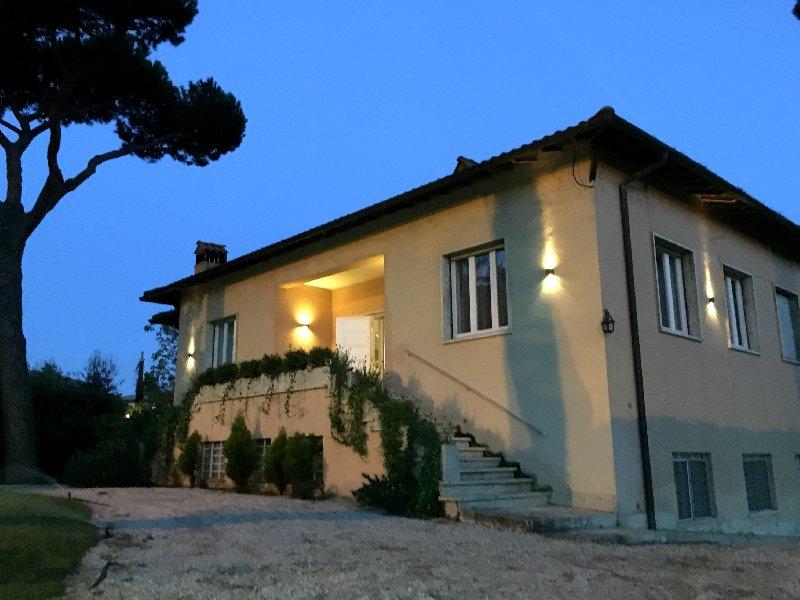 Villa in affitto a Grottaferrata, 6 locali, prezzo € 2.400 | CambioCasa.it