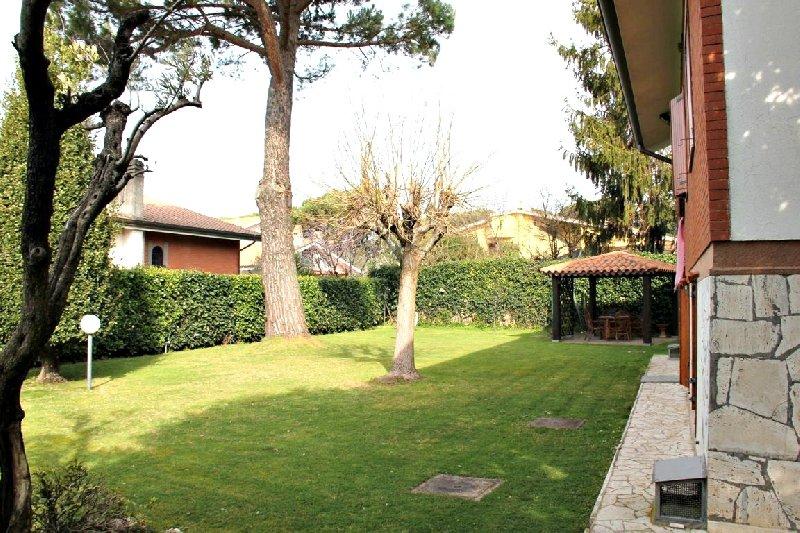 Villa in affitto a Grottaferrata, 7 locali, prezzo € 2.500 | Cambio Casa.it
