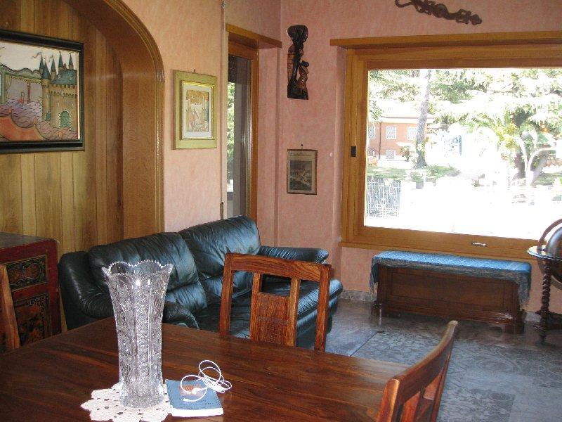 Appartamento in affitto a Grottaferrata, 4 locali, prezzo € 900 | Cambio Casa.it