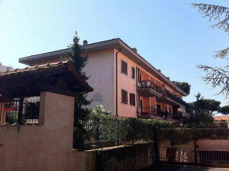 Attico / Mansarda in affitto a Grottaferrata, 2 locali, prezzo € 500 | CambioCasa.it