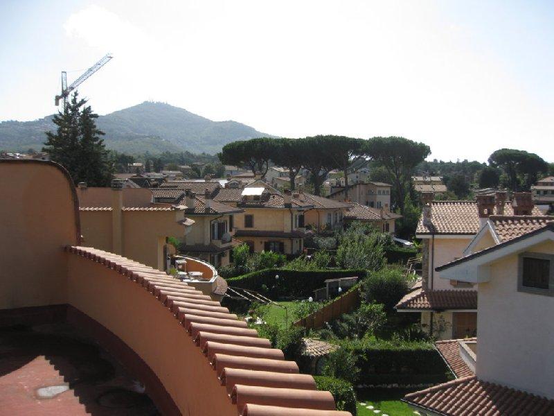 Villa in vendita a Grottaferrata, 6 locali, prezzo € 349.000 | CambioCasa.it