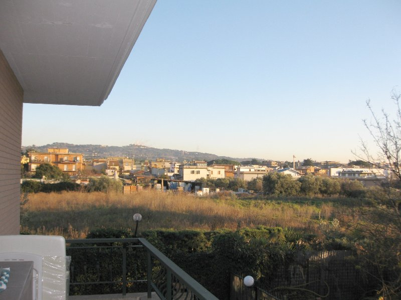Appartamento in affitto a Marino, 2 locali, zona Zona: Santa Maria delle Mole, prezzo € 600 | Cambio Casa.it