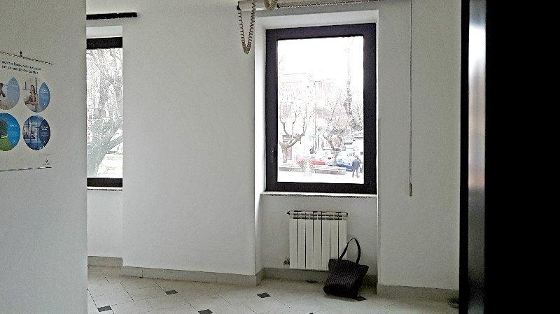 Ufficio / Studio in affitto a Grottaferrata, 2 locali, prezzo € 900   CambioCasa.it