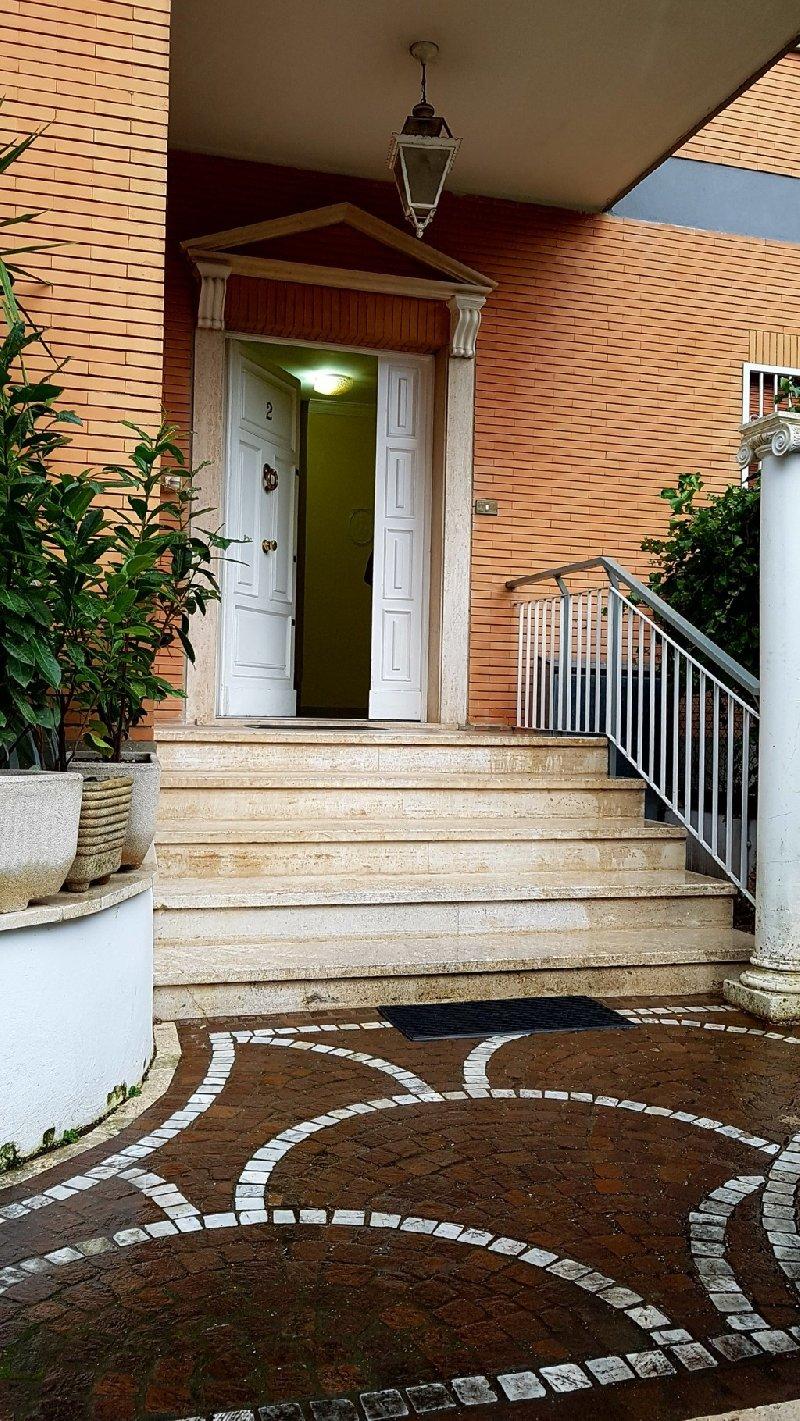 Appartamento in affitto a Grottaferrata, 2 locali, prezzo € 650 | Cambio Casa.it