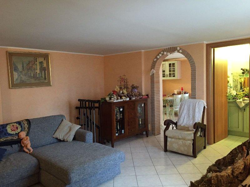 Attico / Mansarda in vendita a Marino, 5 locali, zona Zona: Santa Maria delle Mole, prezzo € 395.000   Cambio Casa.it