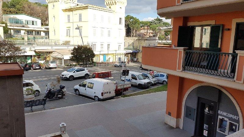 Ufficio / Studio in vendita a Grottaferrata, 2 locali, prezzo € 230.000   Cambio Casa.it