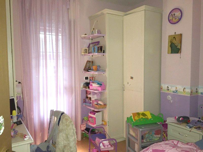 Appartamento in affitto a Marino, 4 locali, zona Zona: Santa Maria delle Mole, prezzo € 850 | Cambio Casa.it