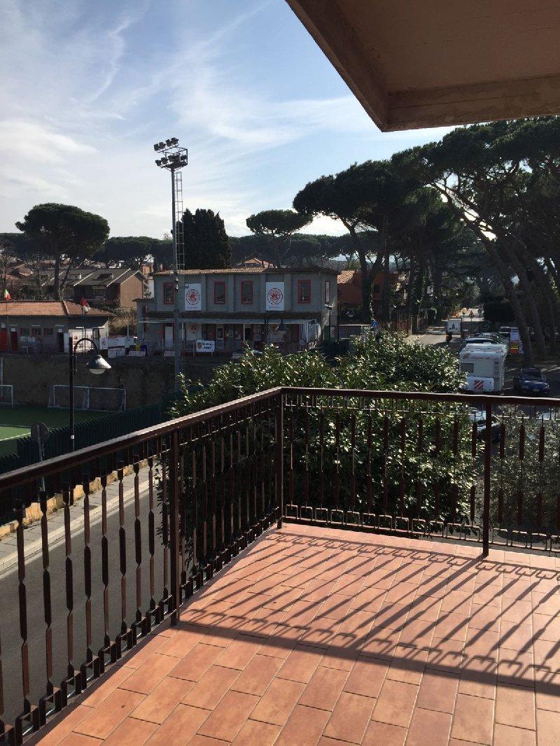 Appartamento in affitto a Grottaferrata, 4 locali, prezzo € 1.200 | Cambio Casa.it