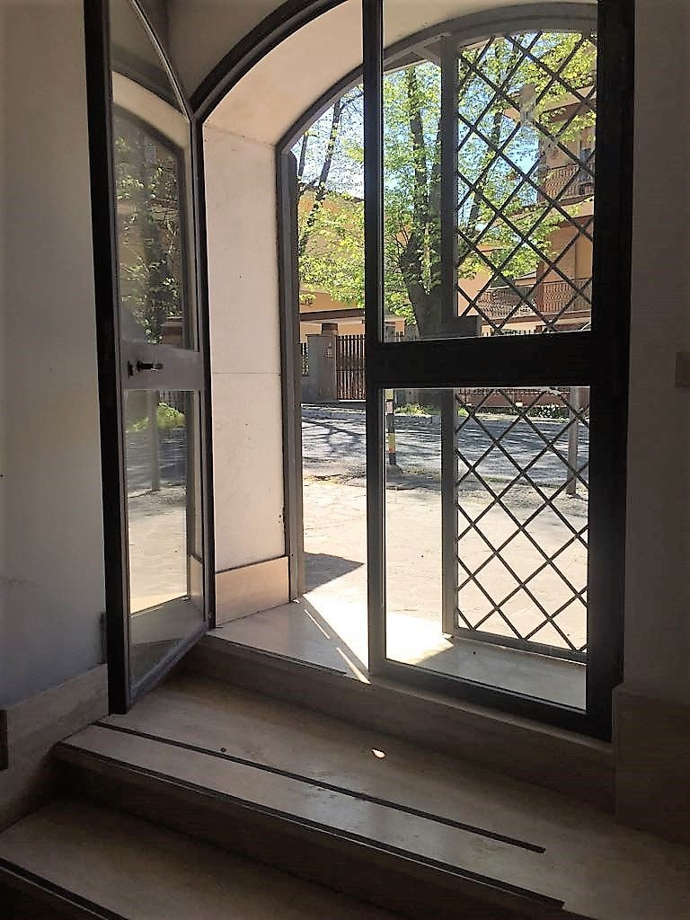 Immobile Commerciale in affitto a Grottaferrata, 1 locali, Trattative riservate   Cambio Casa.it