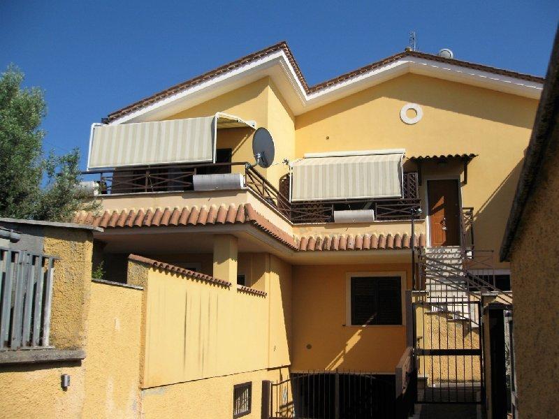 Appartamento in vendita a Marino, 2 locali, prezzo € 125.000   CambioCasa.it