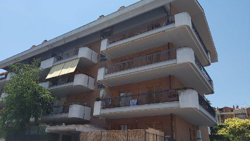 Attico / Mansarda in affitto a Marino, 2 locali, prezzo € 590 | CambioCasa.it