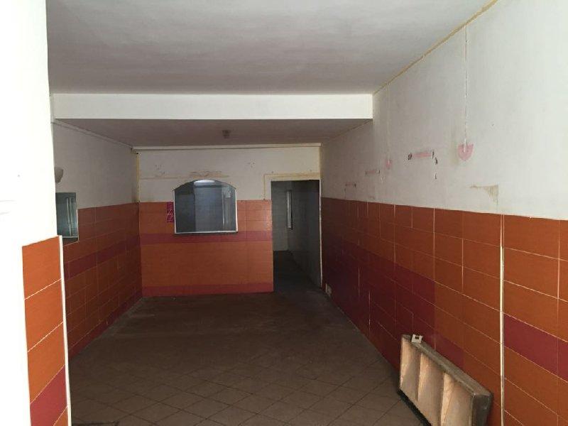 Negozio / Locale in Affitto a Marino