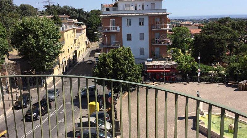 Appartamento in affitto a Albano Laziale, 2 locali, prezzo € 650 | CambioCasa.it