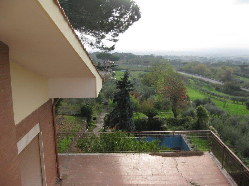 Villa in Vendita a Castel Gandolfo