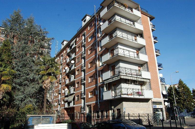 Bilocale Cerro Maggiore Via S. Clemente 47 4