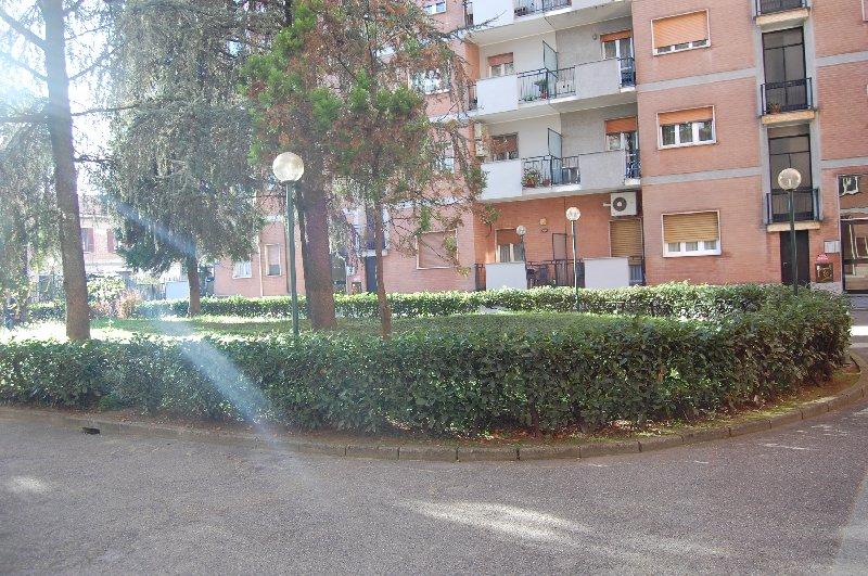 Bilocale Cerro Maggiore Via S. Clemente 47 6