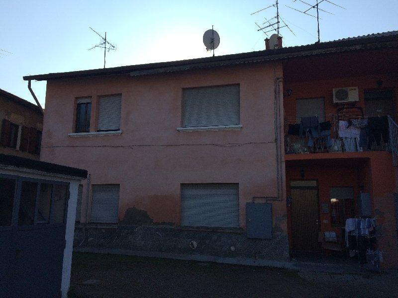 Bilocale Parabiago Via Santaelisabetta 11 2