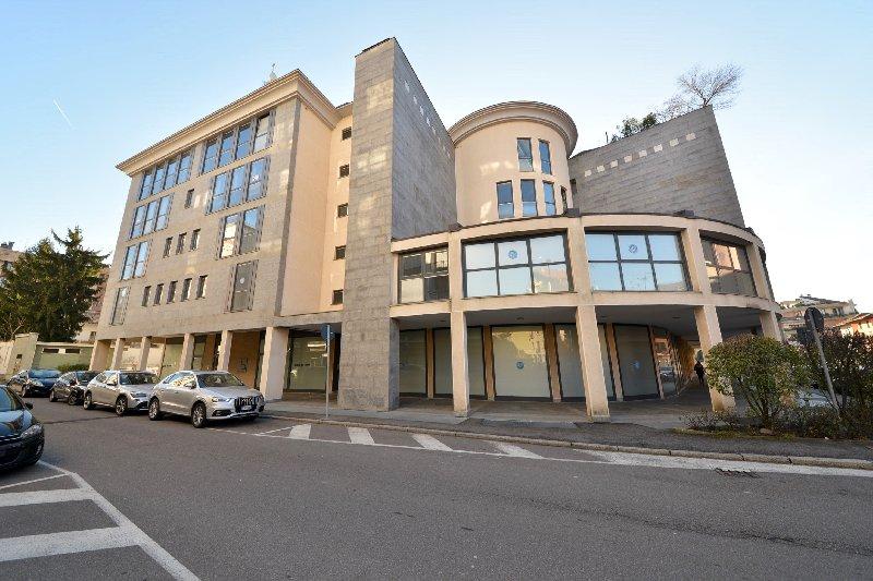 Attico / Mansarda in vendita a Busto Arsizio, 4 locali, zona Zona: Centro, prezzo € 375.000 | Cambio Casa.it