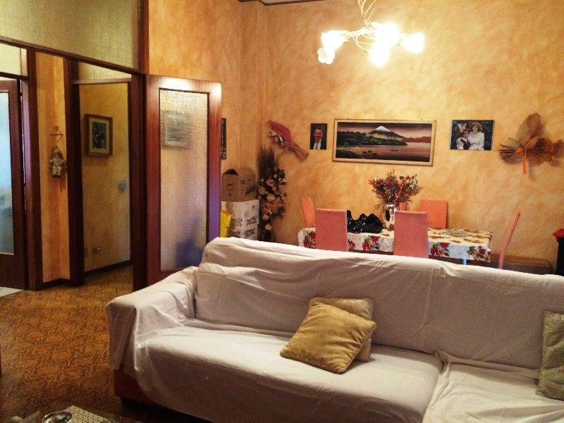 Appartamento in vendita a Legnano, 3 locali, zona Zona: San Bernardino, prezzo € 100.000 | Cambio Casa.it