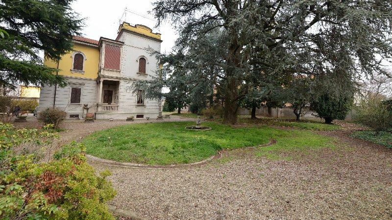 Villa in vendita a San Giorgio su Legnano, 7 locali, prezzo € 850.000 | Cambio Casa.it