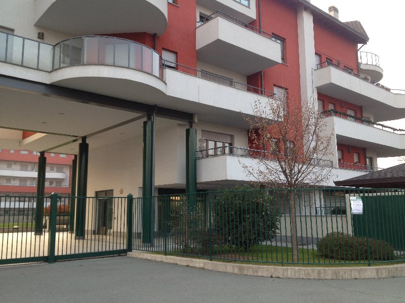 Negozio / Locale in affitto a Legnano, 9999 locali, prezzo € 500 | Cambio Casa.it