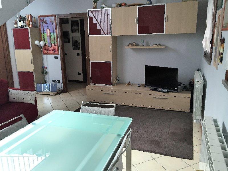Attico / Mansarda in vendita a Legnano, 3 locali, zona Zona: Confine Con S. Giorgio S/L, prezzo € 192.000 | Cambio Casa.it
