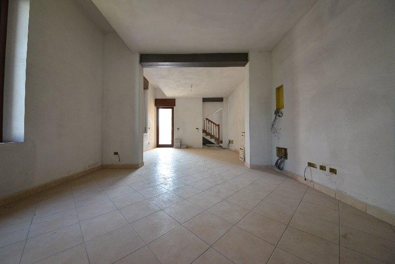 Appartamento in affitto a Legnano, 3 locali, zona Zona: San Bernardino, prezzo € 750 | Cambio Casa.it