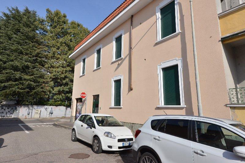Bilocale Legnano Via Cimarosa 1-3 1
