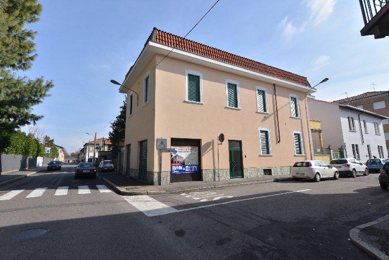 Negozio / Locale in Affitto a Legnano