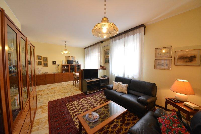Appartamento in vendita a Legnano, 3 locali, zona Zona: Centro, prezzo € 210.000   Cambio Casa.it