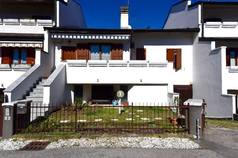 Villa a Schiera in Vendita a Inveruno