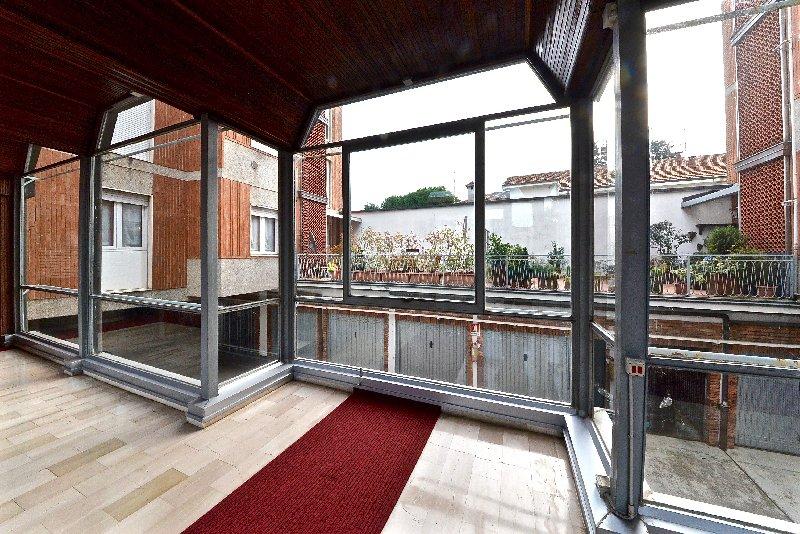 Appartamento in vendita a Parabiago, 3 locali, prezzo € 115.000 | CambioCasa.it