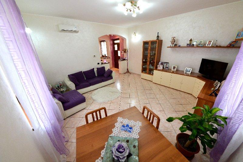 Appartamento in vendita a Arconate, 3 locali, prezzo € 169.000 | Cambio Casa.it