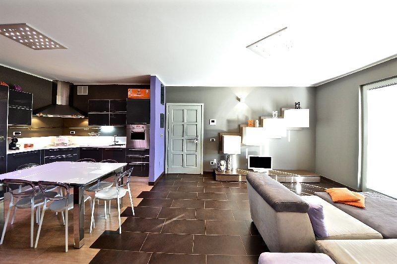 Appartamento in vendita a Borgo Ticino, 3 locali, prezzo € 189.000 | Cambio Casa.it