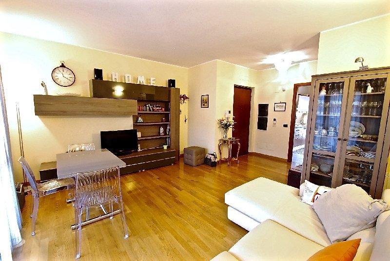 Appartamento in vendita a Canegrate, 3 locali, prezzo € 209.000 | Cambio Casa.it