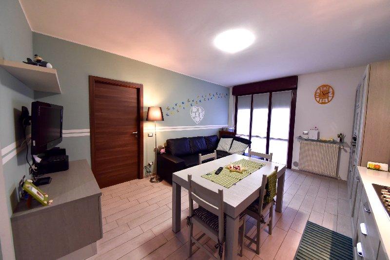 Appartamento in vendita a Canegrate, 2 locali, prezzo € 103.000 | CambioCasa.it