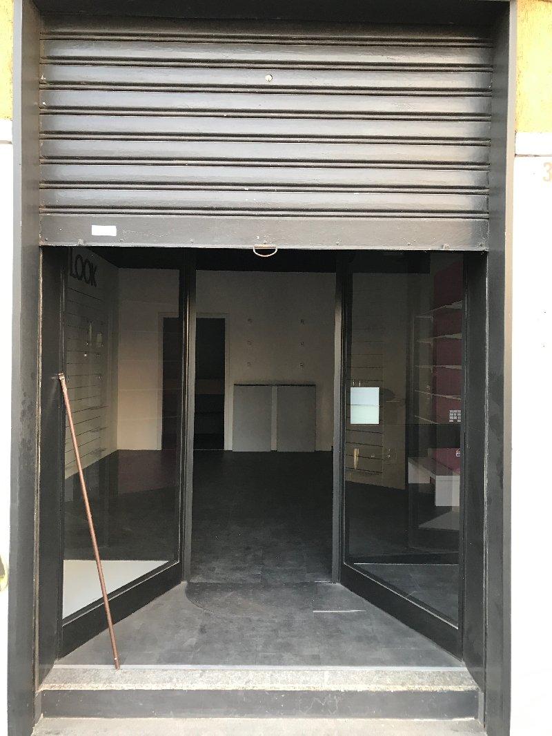 Negozio / Locale in vendita a Legnano, 2 locali, zona Zona: Autostrada, prezzo € 75.000 | CambioCasa.it