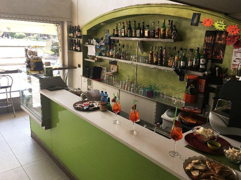 Bar in vendita a Legnano, 2 locali, zona Zona: Legnarello, prezzo € 30.000 | Cambio Casa.it