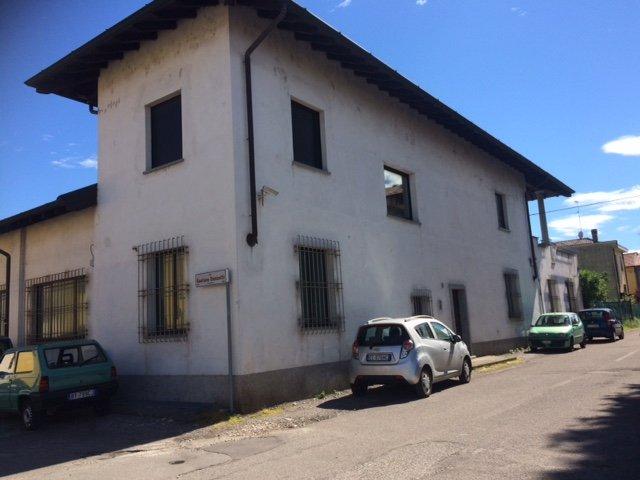 Laboratorio in vendita a Parabiago, 10 locali, prezzo € 480.000 | Cambio Casa.it
