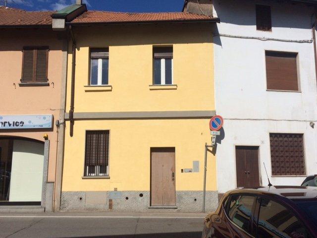 Appartamento in vendita a Parabiago, 2 locali, prezzo € 75.000   CambioCasa.it