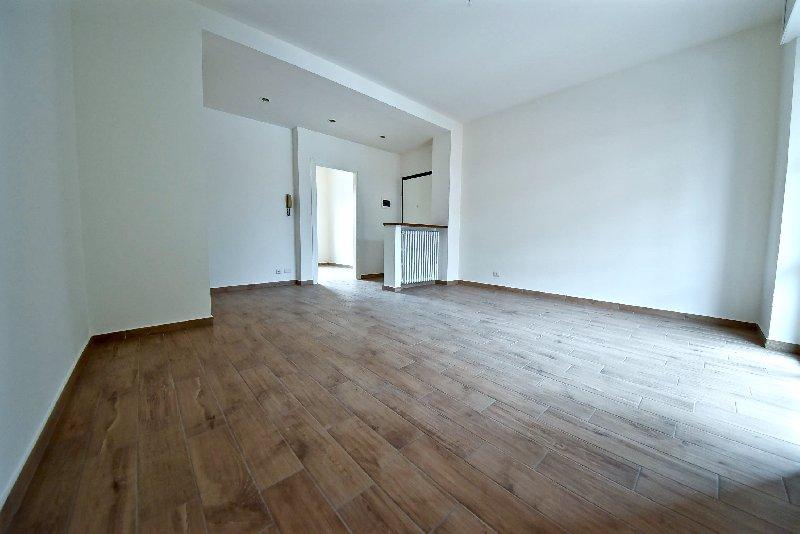 Appartamento in vendita a Rescaldina, 3 locali, prezzo € 110.000   CambioCasa.it