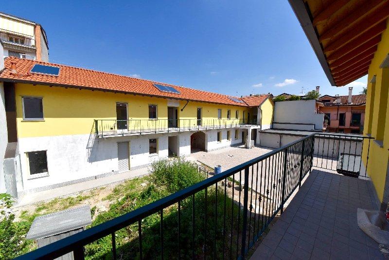 Appartamento in vendita a Parabiago, 2 locali, prezzo € 95.000 | CambioCasa.it