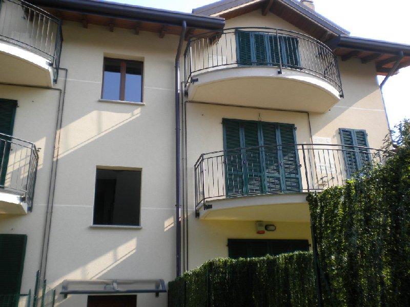 Appartamento in affitto a Varano Borghi, 2 locali, prezzo € 480 | Cambio Casa.it